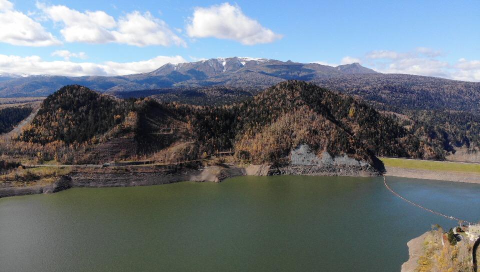 層雲峡の大雪ダムで紅葉を空撮してきました。